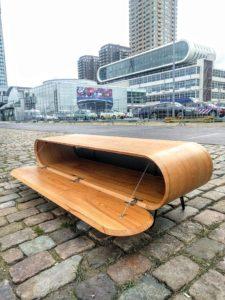 Hifi-meubel van iepen, foto voor Fotomuseum Rotterdam